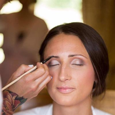 6 Steps To Find Your Perfect Bridal Make Up Artist