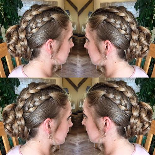 Plaits for the bridesmaids....yes please!