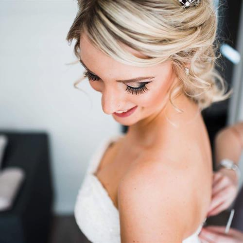 Bridal make up envy with this glam smokey eye
