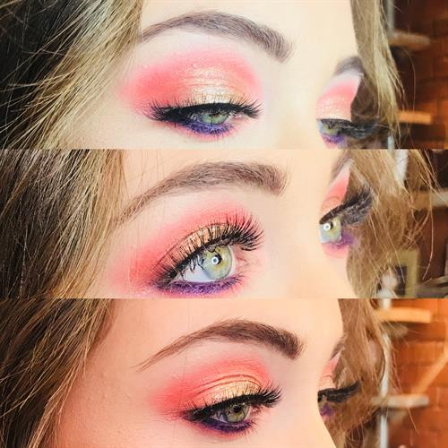 Beautiful glam eyeshadow by Make My Day Make Up Studio