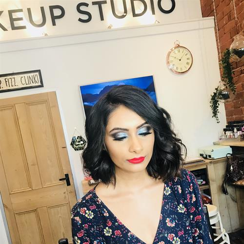 Heavy glam make up  by Suezanna Ward based in the Midlands.