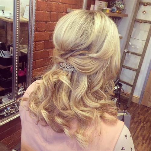 Waves for days. Boho wedding hair . beautiful beach waves effect