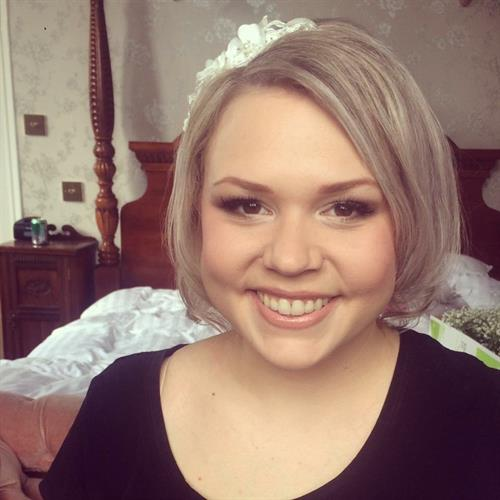 Nothing beats natural beauty on your wedding day. Natural bridal make up by Suezanna Ward at Wroxhall Abbey