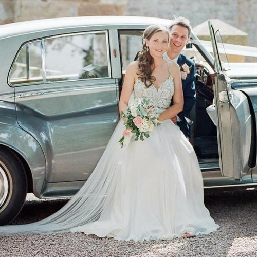 Gorgeous bride and groom on their wedding day. Bridal styling by Make My Day Make Up Studio