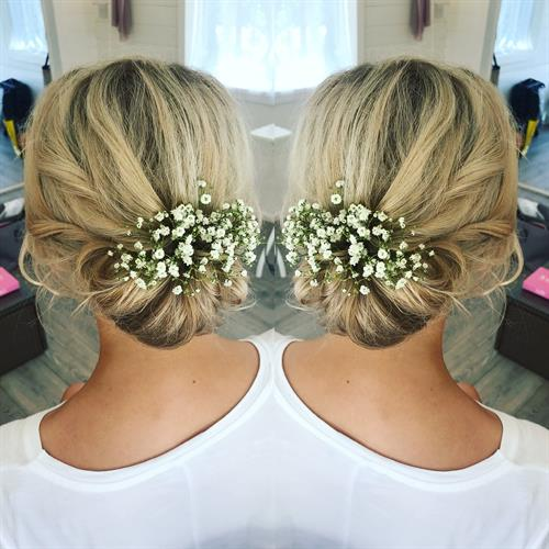 Boho messy bun with gypsophillia