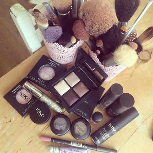 Make Up kit must haves. Kiko and Mac make up