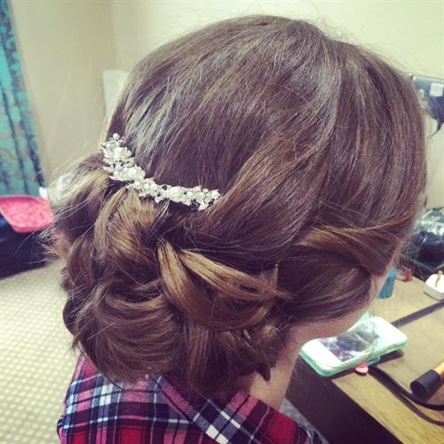 Gorgeous up do perfect for wedding hair or prom