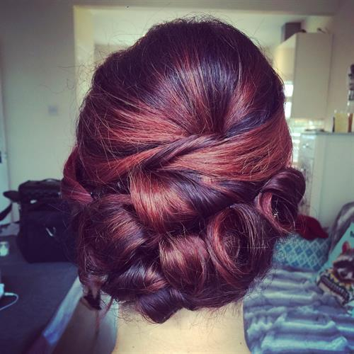 Bridal up do. Vintage inspired with a little twist!